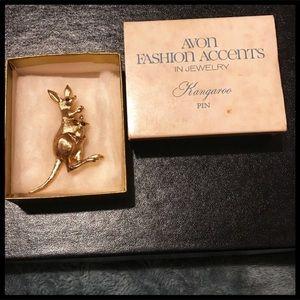 💐2 For $12💐 Vintage Avon Kangaroo Pin 1975